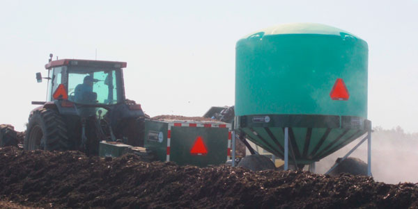 feedlot waste managment